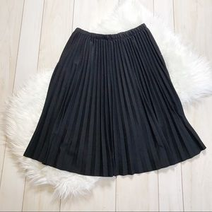 NWT Alfred Dunner Black Pleated Midi Skirt